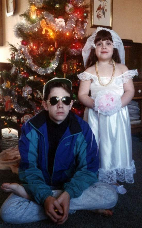 Child Bride ~ 27 Funny & Creepy Family Christmas Photos