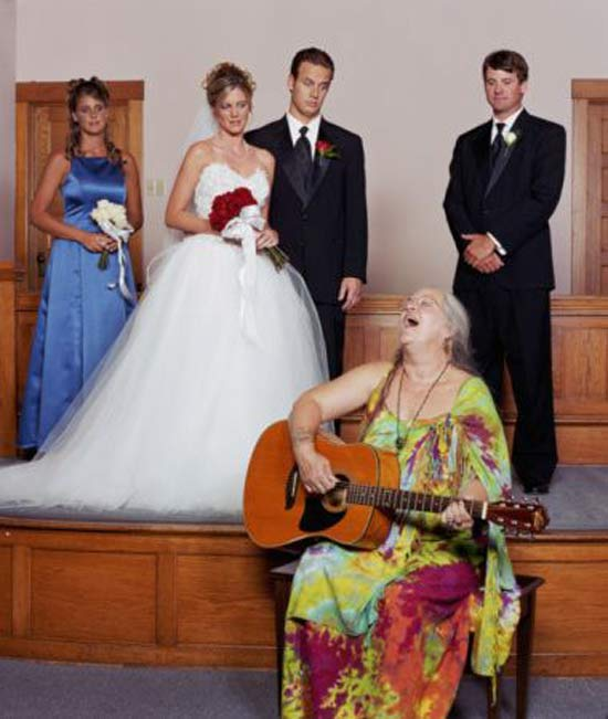 Hippy lady singing at wedding ~ 14 Funny Wedding Photos