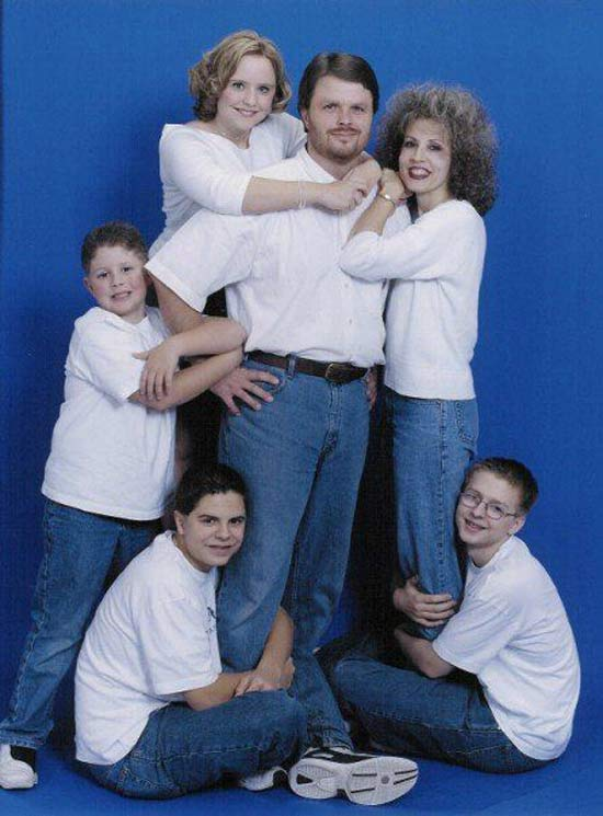 Family portrait all dressed in denim ~ 18 Funny Awkward Family Photos
