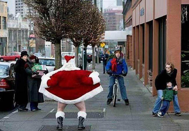 Funny awkward creepy Christmas pics ~ Santa flashing