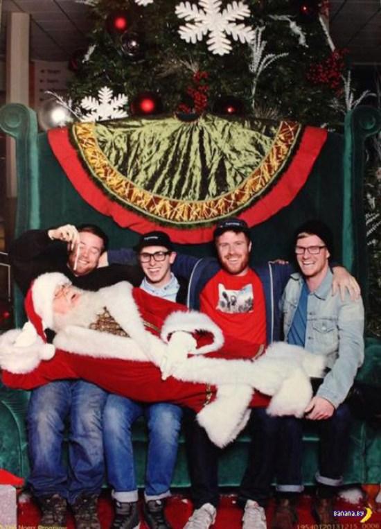 Funny Christmas Pics ~ Santa Laying across laps