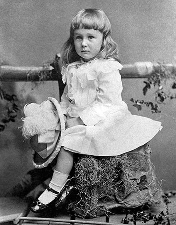 Young Franklin Delano Roosevelt in 1884, age 2