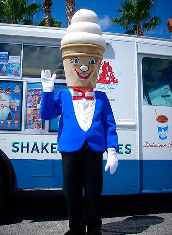 33 Funny Pics~ ice cream mascot