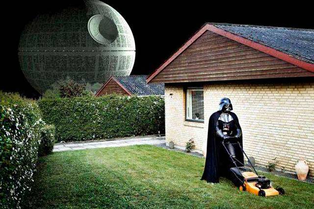 33 Funny Pics of the Day ~ Darth Vader mowing his lawn