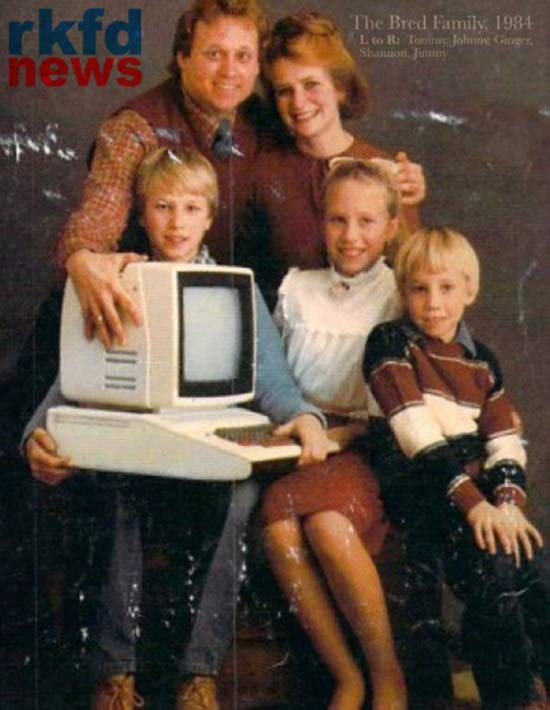 33 Funny Pictures ~ vintage 80s computer magazine ad
