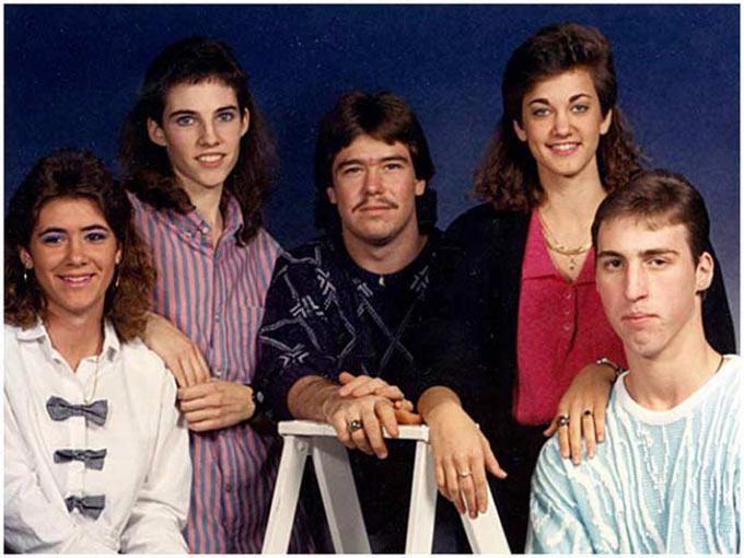 Funny Pics & Memes ~ award family photo mullets eyebrows
