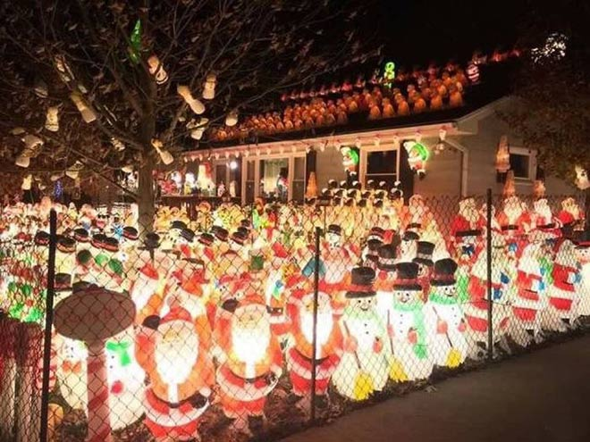 41 Funny Christmas Photos ~ yard filled with christmas decorations