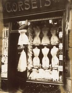 Corsets, Atget, 1912
