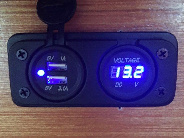 photo of Marine-style USB power and battery monitor