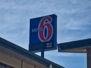 photo of Motel 6 sign