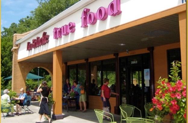 image of La Brioche restaurant in Madison, Wisconsin