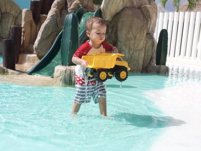 Toddler Travel Gear: Toddler Travel Toy Delivery