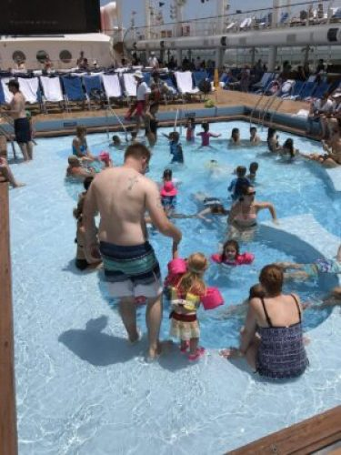 Pros and cons of disney cruise: crowded pool