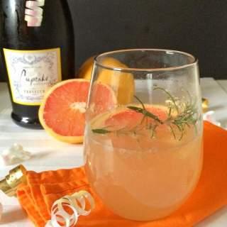 Grapefruit Prosecco Birthday Cocktail: #RMJis40
