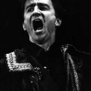 012 Hamlet, 1975