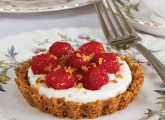 Raspberry-Oat Tartlets with Whiskey-Honey Cream