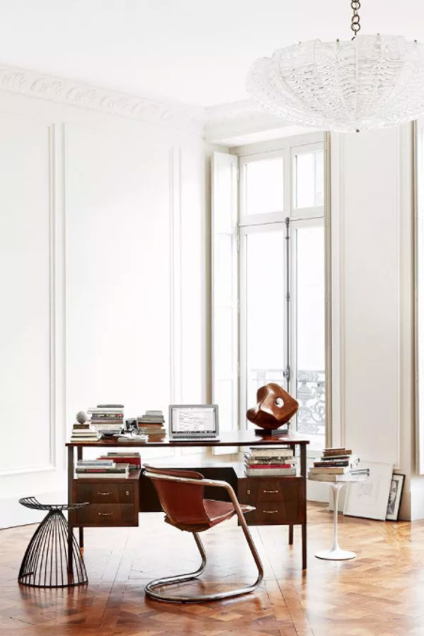 Blank Space is A Real Feature in French Interior Style