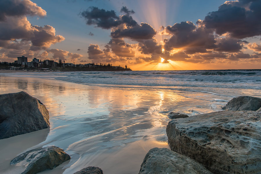 Holiday in Caloundra and Visit Kings Beach