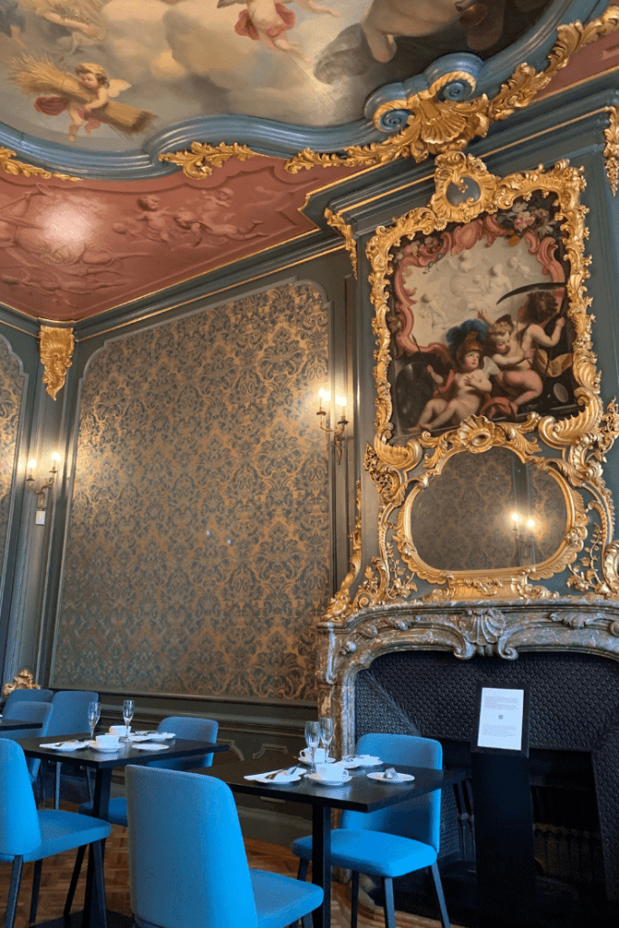 The stately presentation rooms at the Handbag and Purse museum where we were served afternoon tea during our mother-daughter trip to Amsterdam