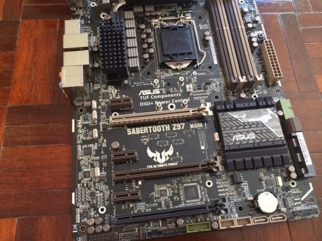 Unboxing & Review: ASUS Sabertooth Z97 Mark 1 161