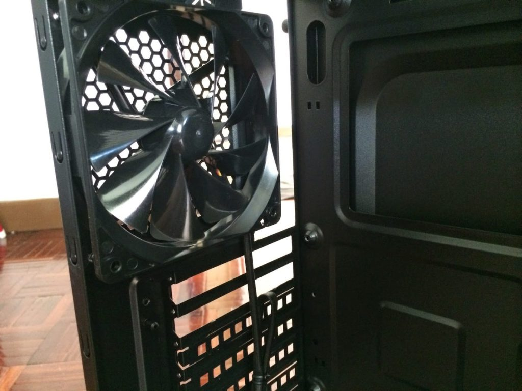 Unboxing & Review: Thermaltake Versa H21 27
