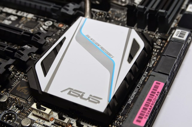 Unboxing & Review: ASUS X99-Deluxe 134