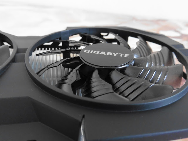 Unboxing & Review: Gigabyte GTX 950 WindForce OC 2GB 7
