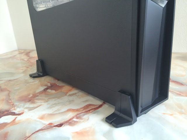 Unboxing & Review: SilverStone Raven Series RVZ02 Mini ITX Chassis 71