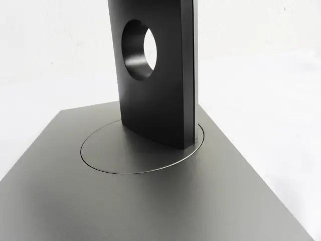 Dell U2717D UltraSharp 27 InfinityEdge Monitor Review 6