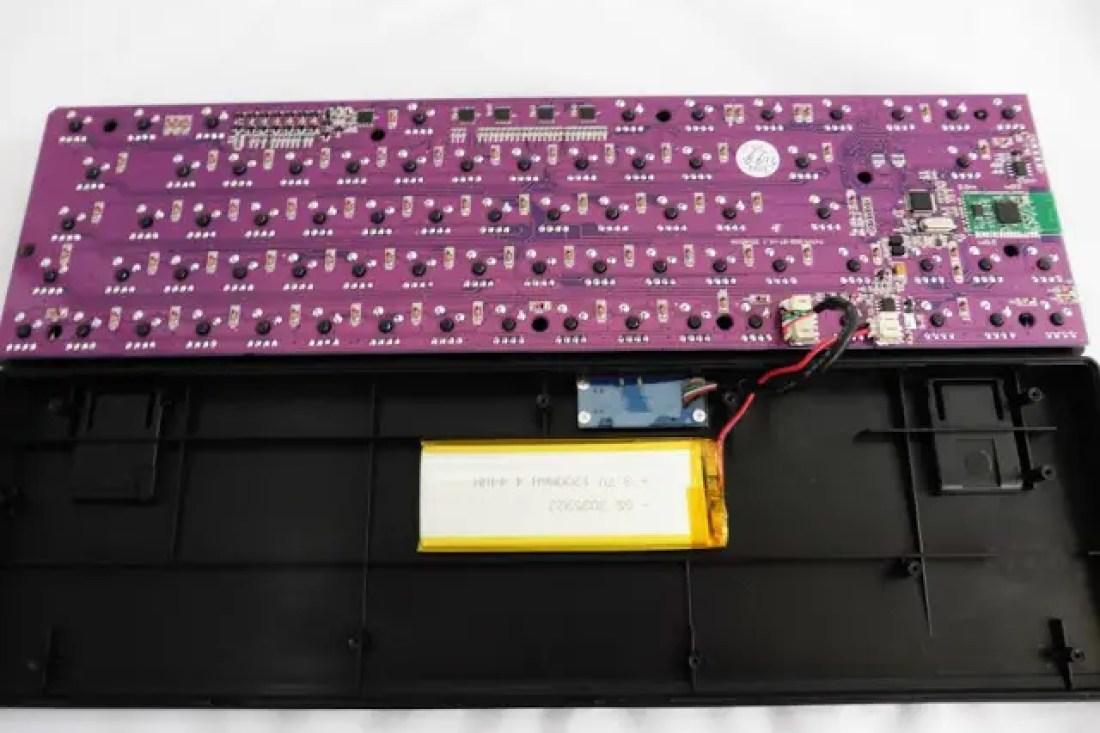 Drevo Calibur 71-Key Bluetooth RGB Mechanical Keyboard Review 13