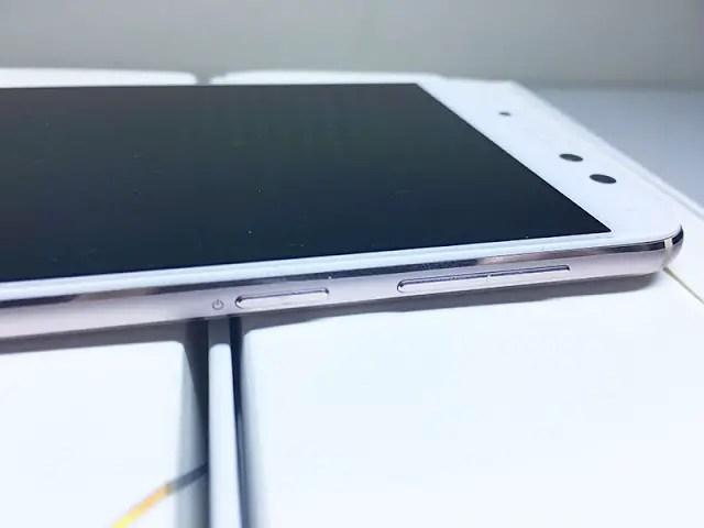 ASUS ZenFone 4 Selfie Pro Review 3