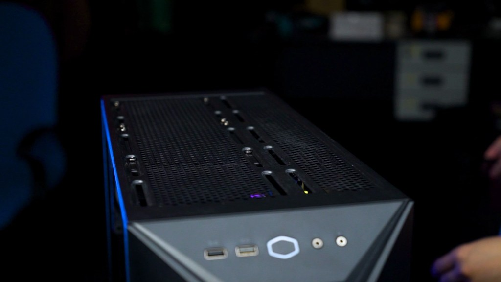 Cooler Master MasterBox K501L RGB 12