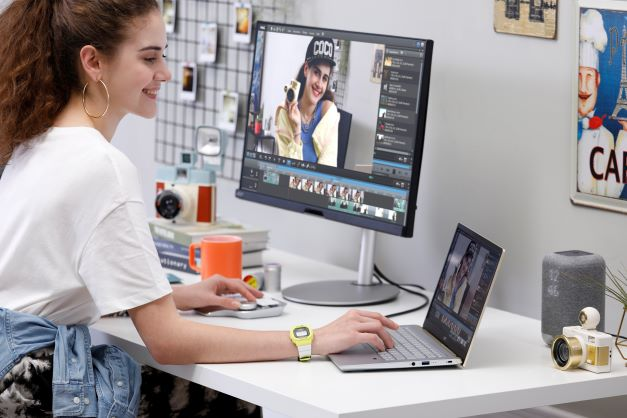 Acer Swift X Lifestyle