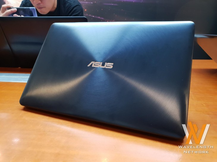 ASUS ZenBook Pro 2018 with ScreenPad (37)