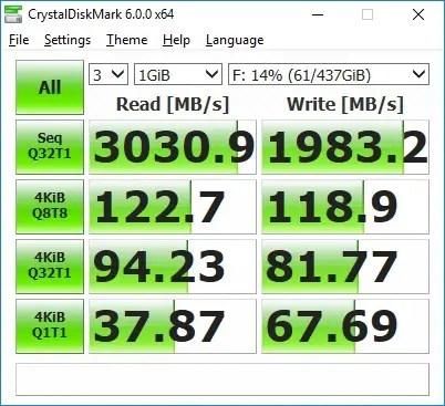 Plextor M9PeY CrystalDiskMark (default)