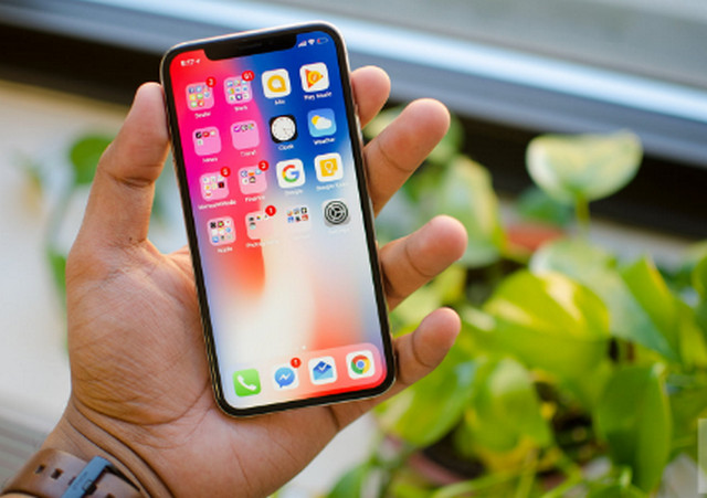 كيف تختار هاتف الآيفون iPhone المناسب لك !