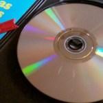 نتعرف في شرح اليوم علي كيفية إصلاح تلف الأقراص المدمجة CD أو أقراص الفيديو الرقمية DVD واستعادة البيانات منها .