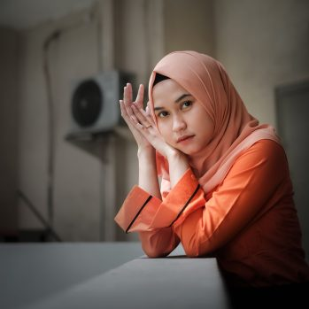 woman in a pink hijab
