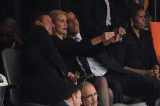 barack-obama-selfie-