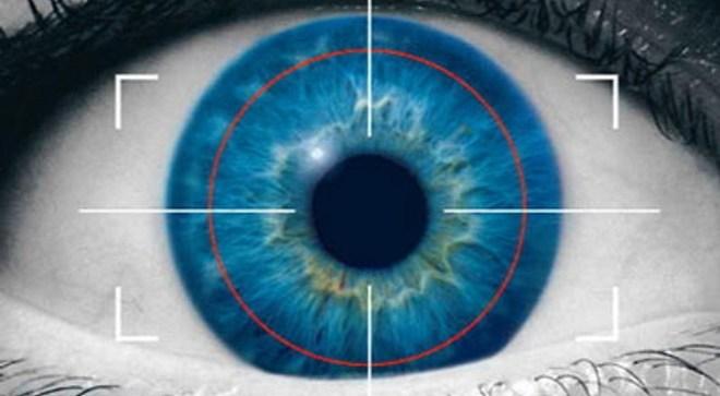 آيفون 6 ماسح قزحية العين