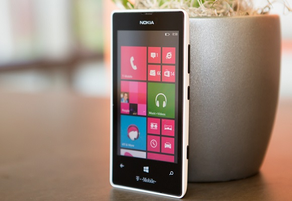Nokia_Lumia_521
