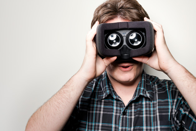 Occulus RIFT Comen فيس بوك تنجز الاستحواذ على Oculus VR للواقع الافتراضي