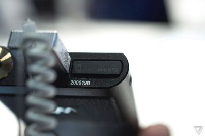 Walkman-ZX2-13