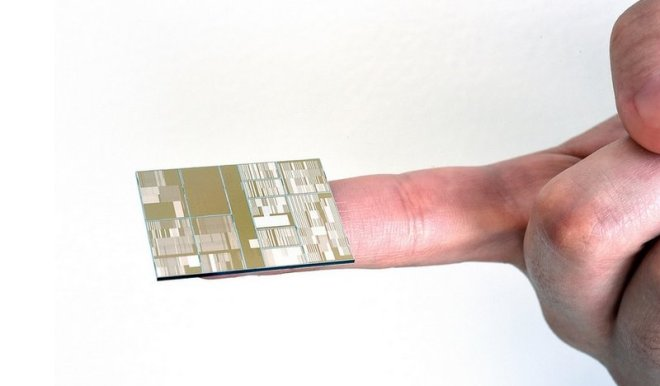 IBM-7nm-chips