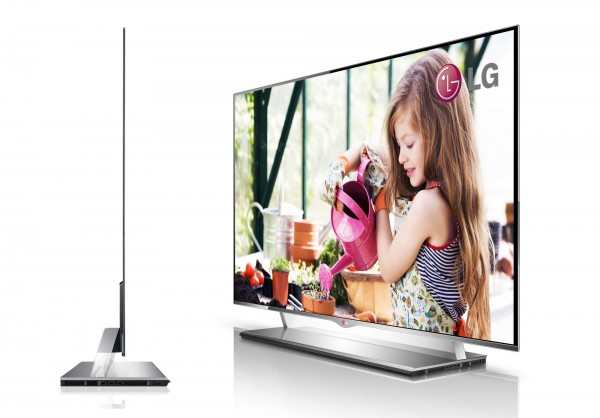 OLED-TV-55EM9600-600x418