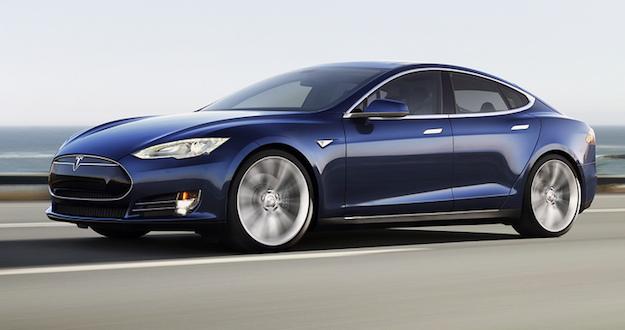 استدعاء سيارات تسلا Model S بسبب خلل مصنعي