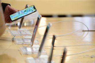 آبل تعمل على شاشة منحنية للآيفون وتطور ميزة التحكم بالإيماء