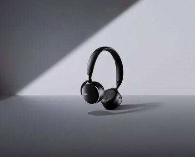 سامسونج تطرح 3 سماعات AKG ببطارية تصمد لفترة طويلة