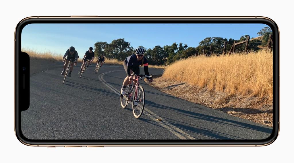 آبل تخطط للاستغناء عن شاشات LCD واعتماد شاشات OLED بشكل كامل