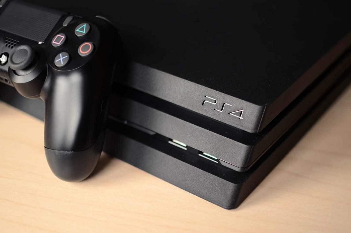 سوني تقاضي أمريكي لكسره حماية أجهزة PS4 وبيعها